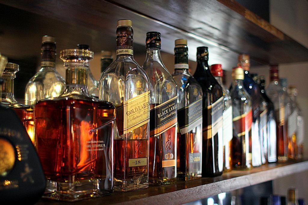 """Det """"brune værtshus"""" Kahytten i Aalborg får ny liv som whiskybar..."""