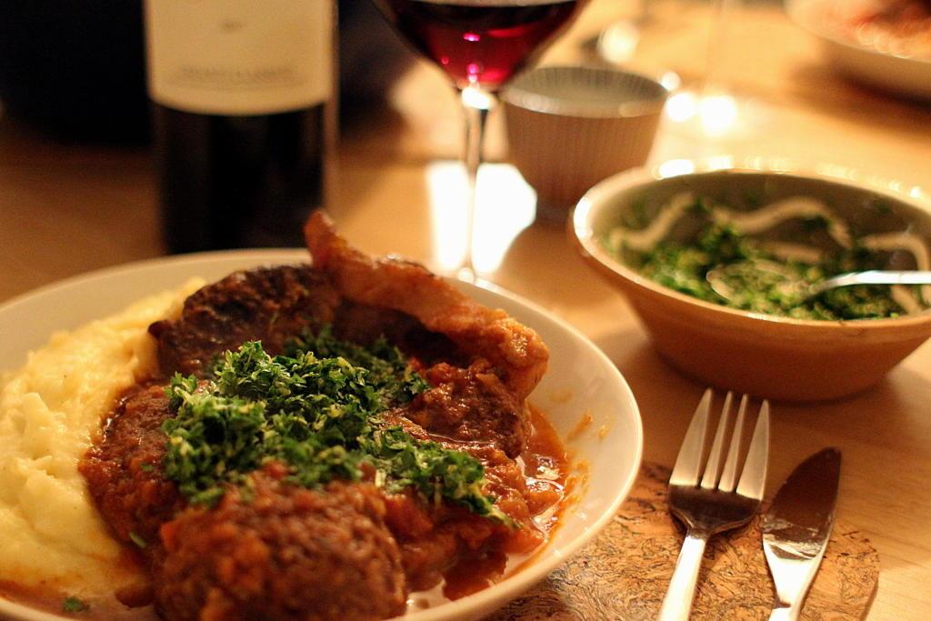 """Opskrift på """"Osso Buco"""" - italiensk simremad når det er bedst..."""