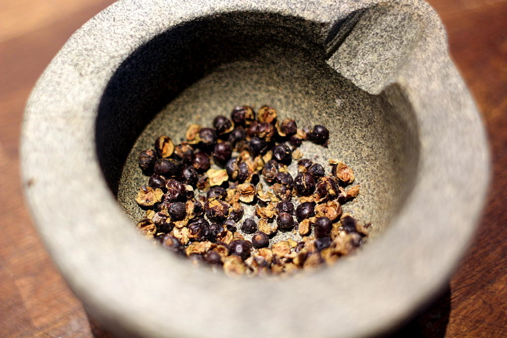 Gin & Tonic Snacks: Butterdejs-snegle med oliventapenade