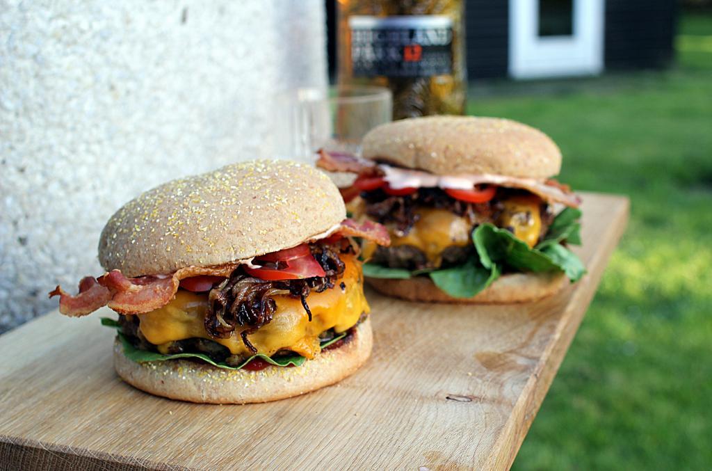Hjemmelavet burger: Martins halfpound Viking Honour Burger