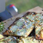 Opskrift på den perfekte pizza på grillen – så nemt er det!