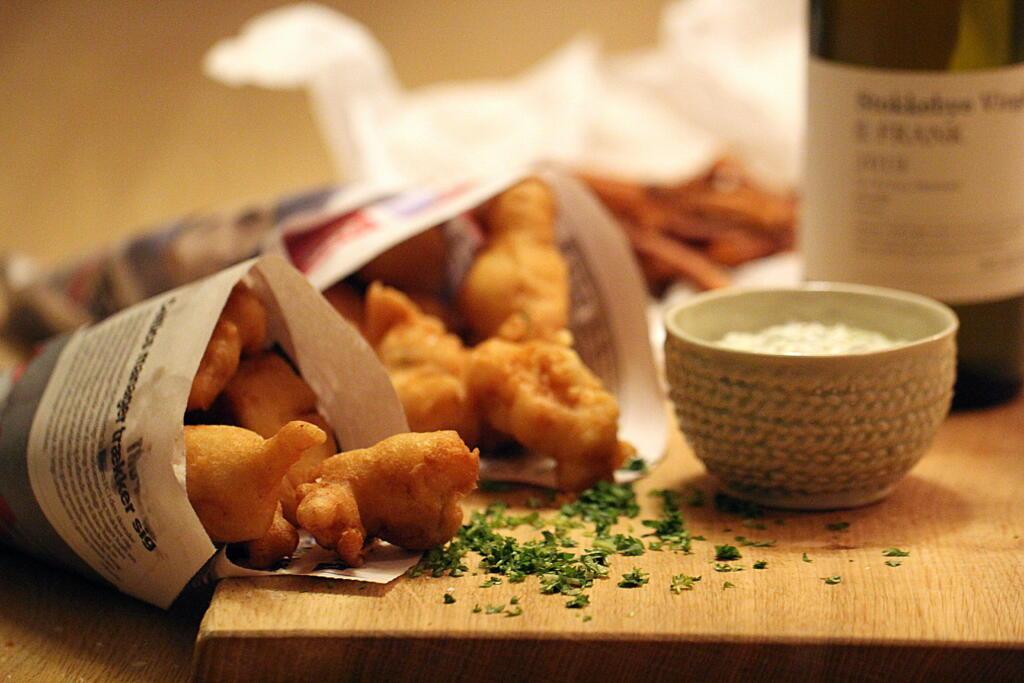 """Opskrift på """"Fish N Chips"""" - engelsk pubmad når det er bedst..."""