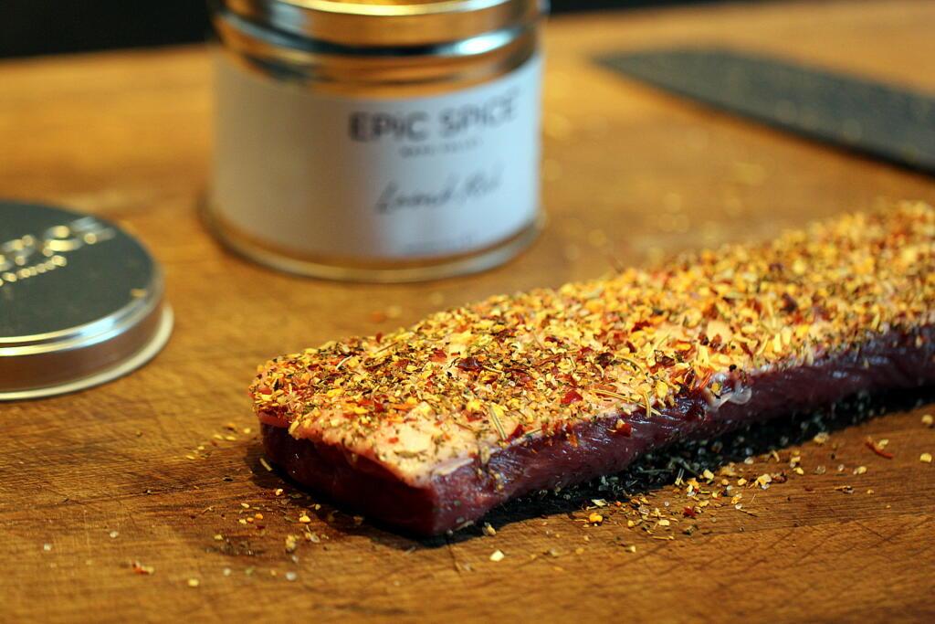 Påskelam med kryddersmør, saltbagt selleri og langtidsbagte tomater