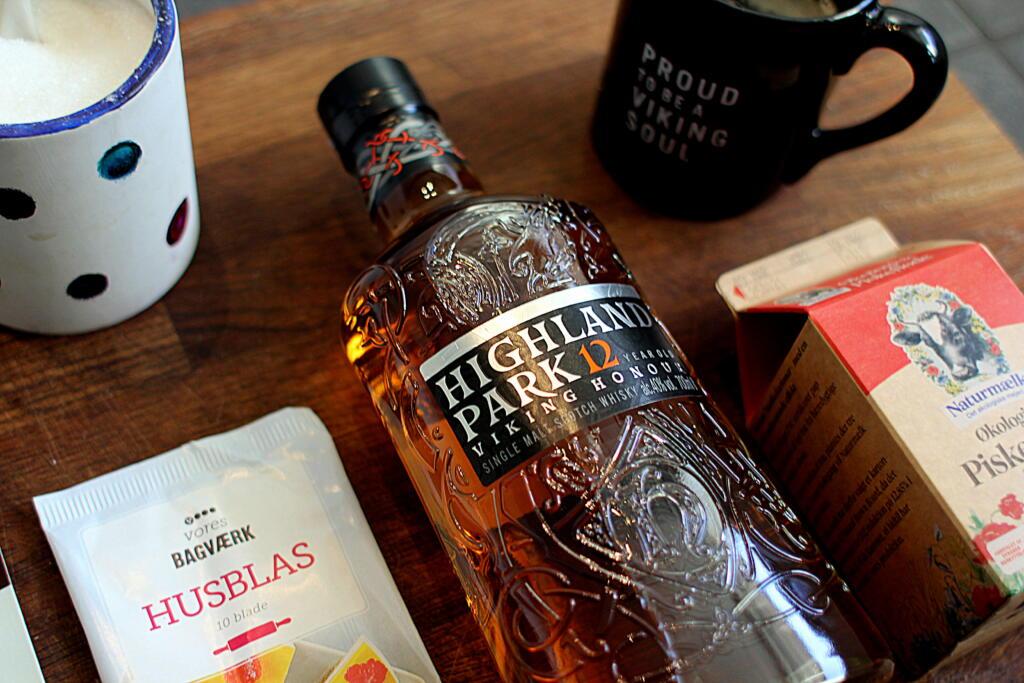 """Opskrift på Panna Cotta med """"whisky-gele""""..."""