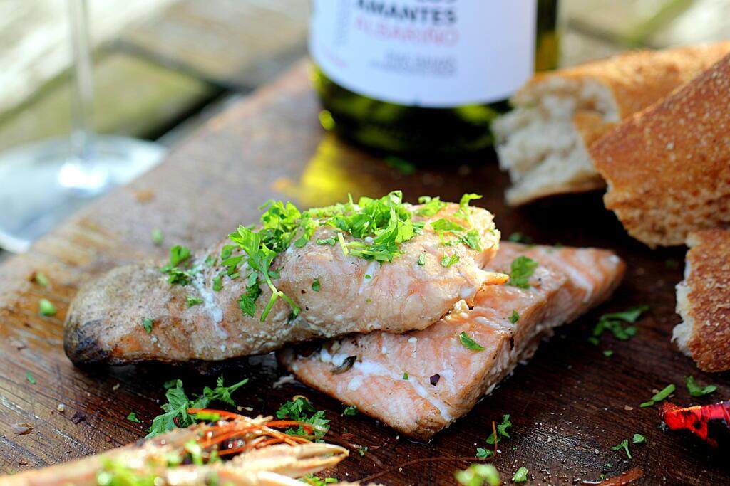 Sommermad: Opskrift på grillet fisk og skaldyr